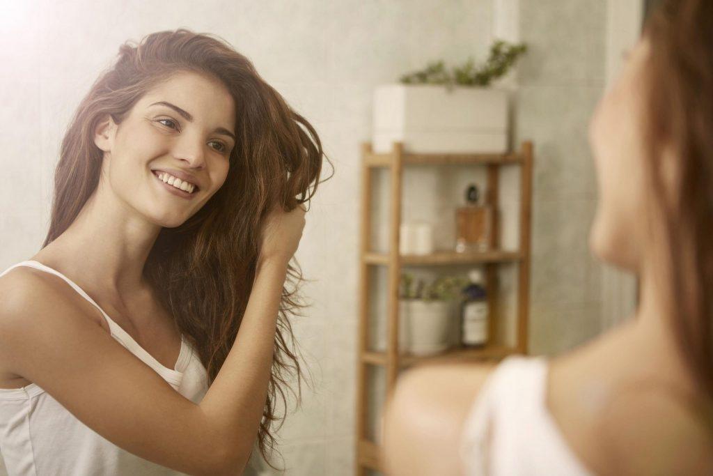 Revalid: Tablety na rast vlasov, na rast a spevnenie nechtov a na vypadávanie vlasov
