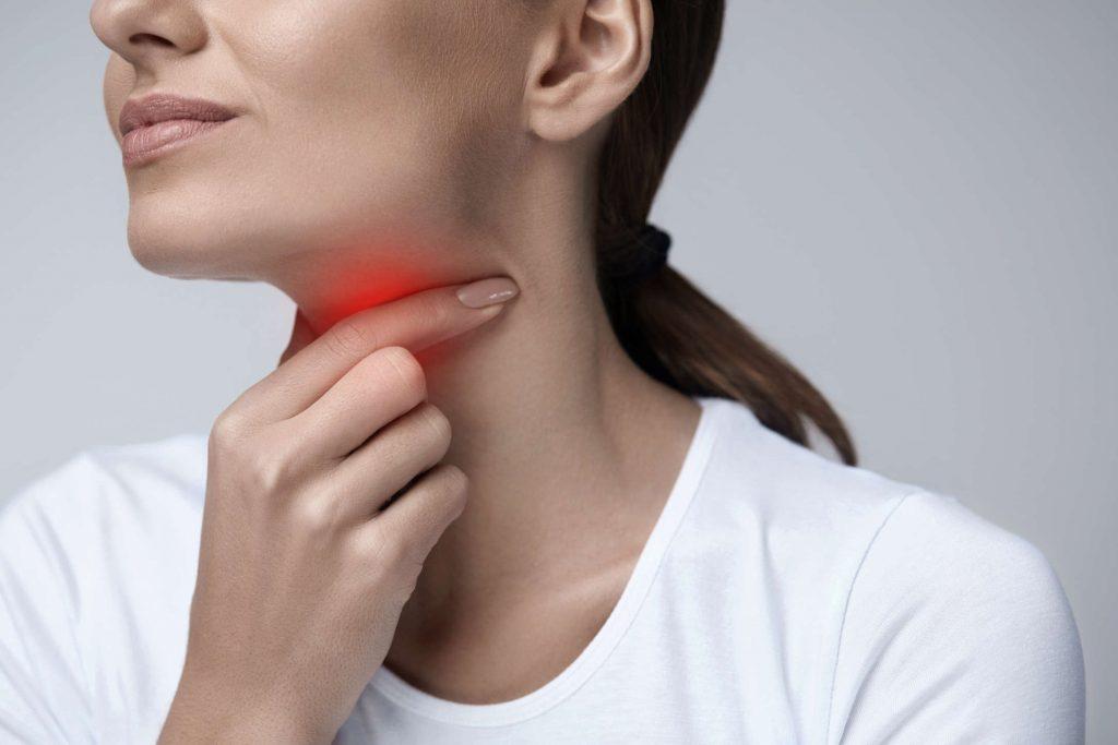Strepsils PLUS: Pastilky na bolesť hrdla, zápal ústnej dutiny a hltanu a aj na afty