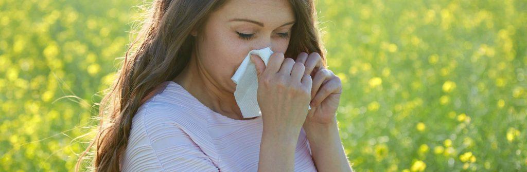 Ak vás trápi alergická nádcha, tu je zopár tipov, čo pomáha a čo všetko je na ňu dobré
