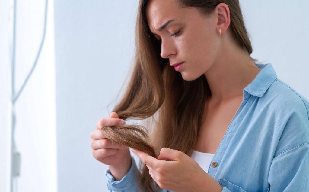Trápi vás lámavosť vlasov? Tu sú rady, čo je dobré a čo pomáha na lámavé vlasy