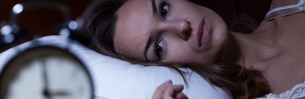 Čo pomáha na spánok a domáce recepty na dobré spanie pre deti aj pre dospelých