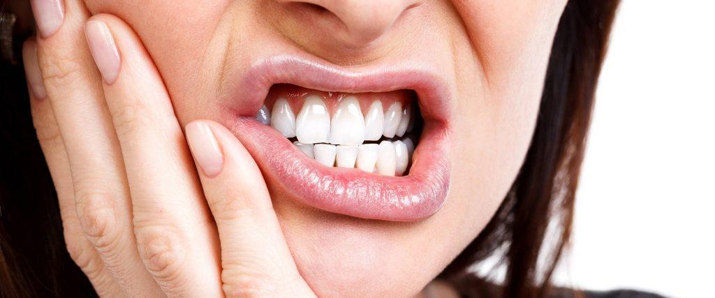 6 overených rád, čo je dobré, čo si dať, čo vytiahne a čo pomáha na zápal zubov