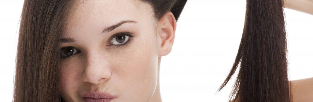 6 overených rád, čo pomáha a čo je dobré na poškodené vlasy a ako na ne pôsobiť