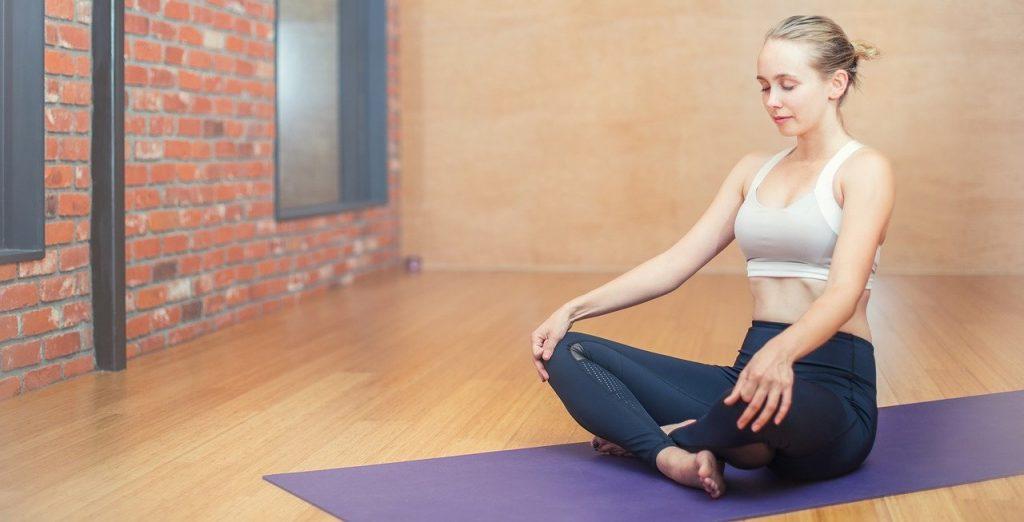 Joga na chudnutie, najlepšie cvičenie pre začiatočníkov a ktoré cviky sú na brucho