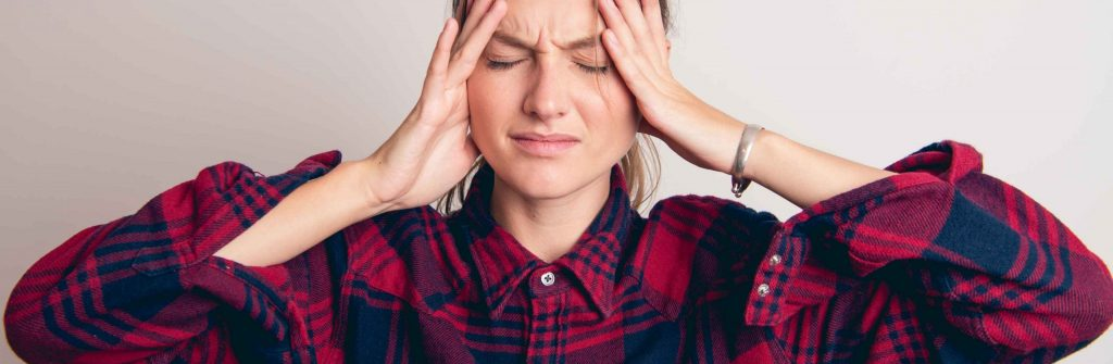 Čo je najlepšia prevencia migrény a čo pomáha doma? 7 tipov, ako jej predchádzať
