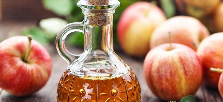 Jablčný ocot: Skúsenosti, využitie, pozitívne aj nepriaznivé účinky a použitie v kuchyni