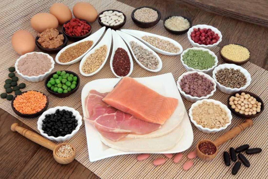 Bielkoviny: Čo to je, význam a účinky na chudnutie aj rast svalov, denný príjem a zdroje
