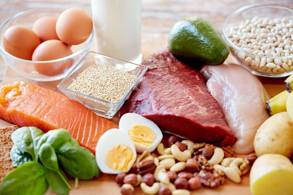 Bielkoviny sú v strave zastúpené v zelenine aj rybách. Tu sú potraviny, ktoré treba jesť