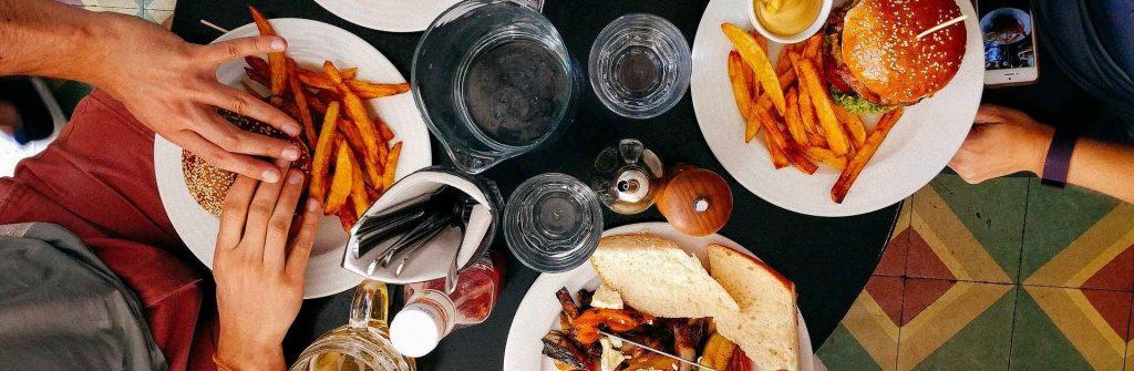 Cheat day v diéte, čo to je, aký má význam, ako často ho mať a jeho výhody a benefity