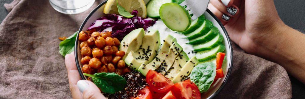 Diétne večere na chudnutie musia byť ľahké, zdravé a výživné. Tu sú tipy a recepty