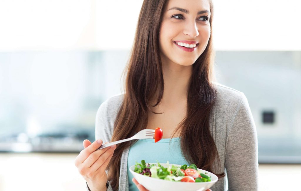 Ako vplýva zdravé stravovanie na chudnutie a odporúčané jedlá, recepty a jedálniček