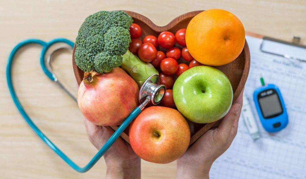 Koľko kalórií má pivo, banán, vajce, jablko, rožok, ryža, víno či rezeň? Tu je tabuľka