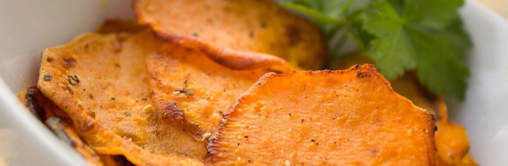 Proteínové chipsy sú zdravá slaná pochutina, ktorú môžete jesť aj pri chudnutí