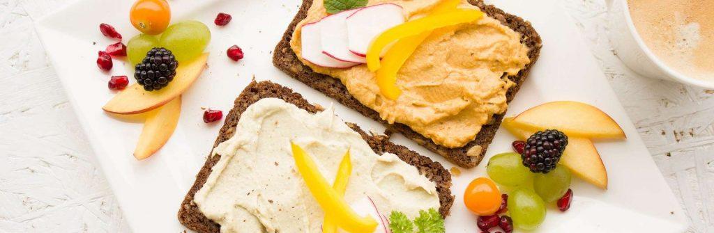 Domáce aj hotové proteínové nátierky sú ideálne na chudnutie k pečivu alebo zelenine
