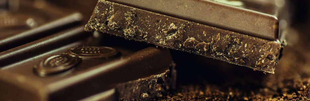 Proteínová čokoláda sa hodí aj na chudnutie, tu je recept na domácu, bez cukru a horkú