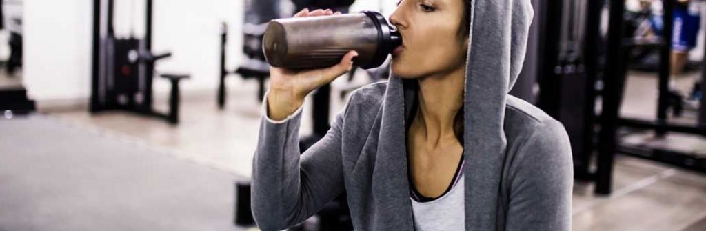 Proteínové drinky sú zdravé, pomáhajú na chudnutie a hodia sa aj po cvičení a tréningu